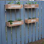 28-garden-fence-decoration-ideas-homebnc