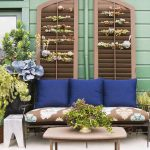 28-porch-wall-decor-ideas-homebnc