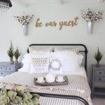 29-bedroom-wall-decor-ideas-homebnc