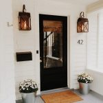 29-farmhouse-front-door-ideas-homebnc