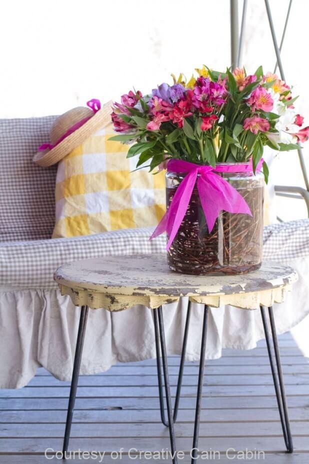 Easy Grapevine and Flower Vase Display