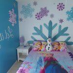 31-fun-with-foam-frozen-disney-room-decoration-homebnc