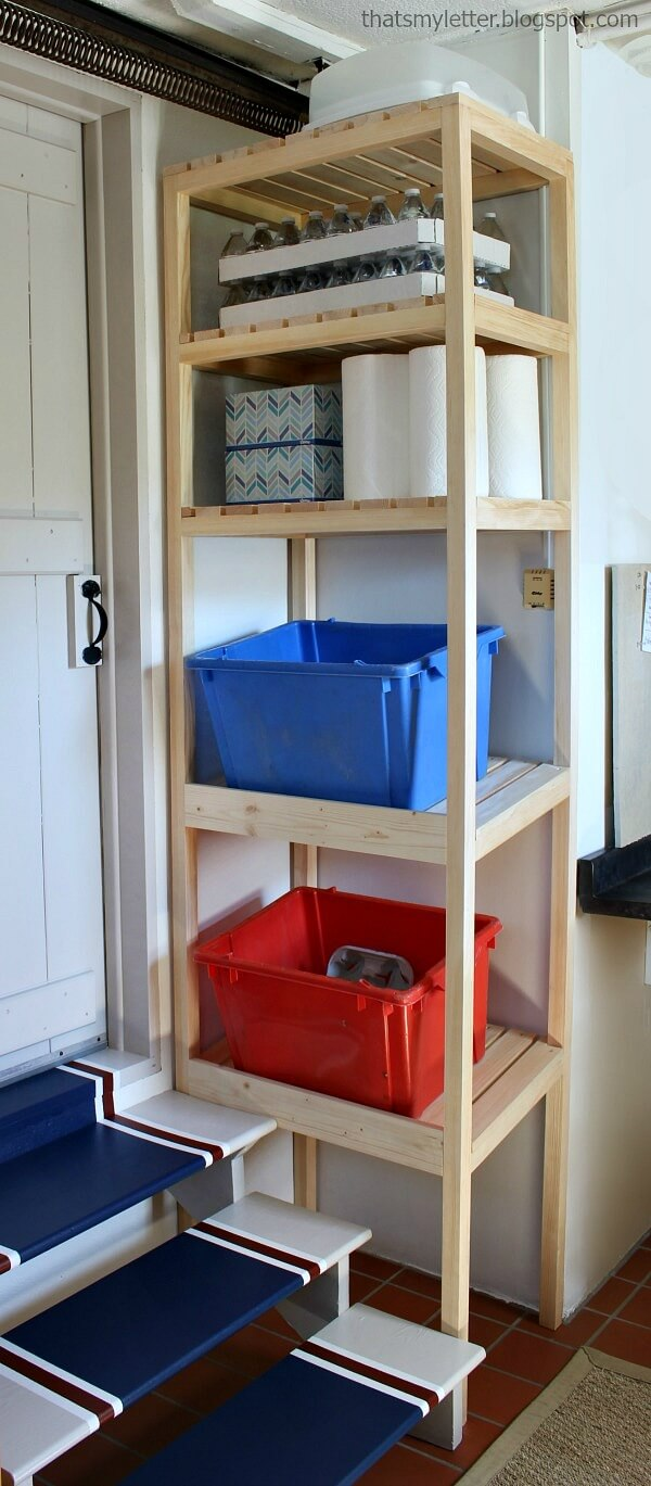 Floor-to-Ceiling Small Space Utilization