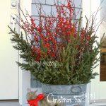 31-outdoor-holiday-planter-ideas-homebnc