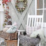 31-rustic-farmhouse-porch-decor-ideas-homebnc