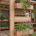32-built-in-planter-ideas-homebnc