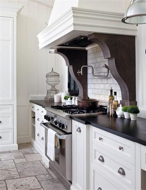 A Black and White Kitchen Color Scheme