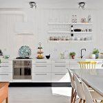 32-naturally-illuminatied-white-kitchen-cabinets-homebnc