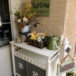 32-rustic-spring-porch-decor-ideas-homebnc