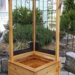 33-built-in-planter-ideas-homebnc