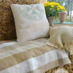 33-rustic-farmhouse-porch-decor-ideas-homebnc