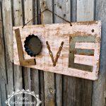 33-rustic-love-wood-signs-ideas-homebnc