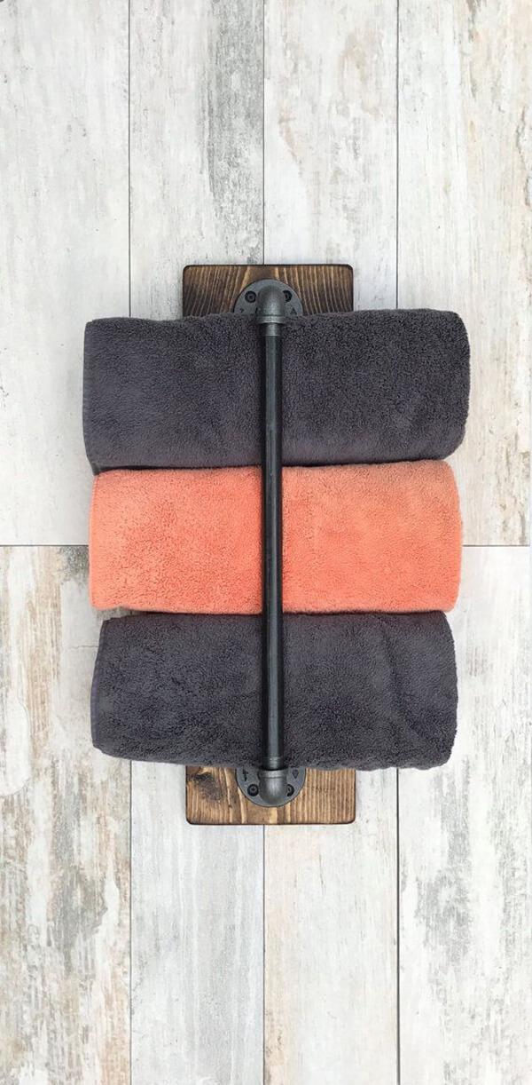 Vertical Antique Towel Bar Mount