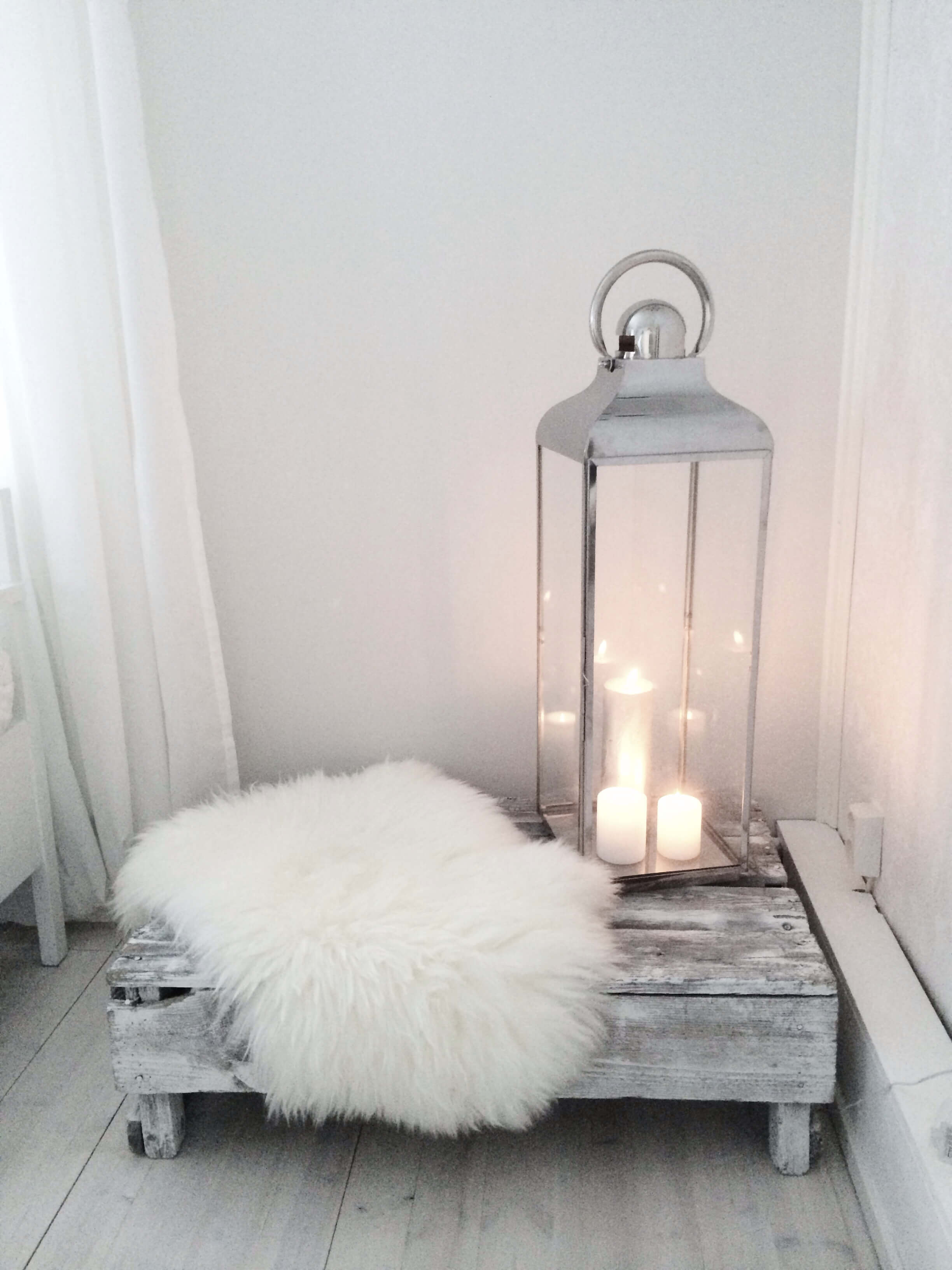 Minimalist Meets Rustic Lantern Arrangement