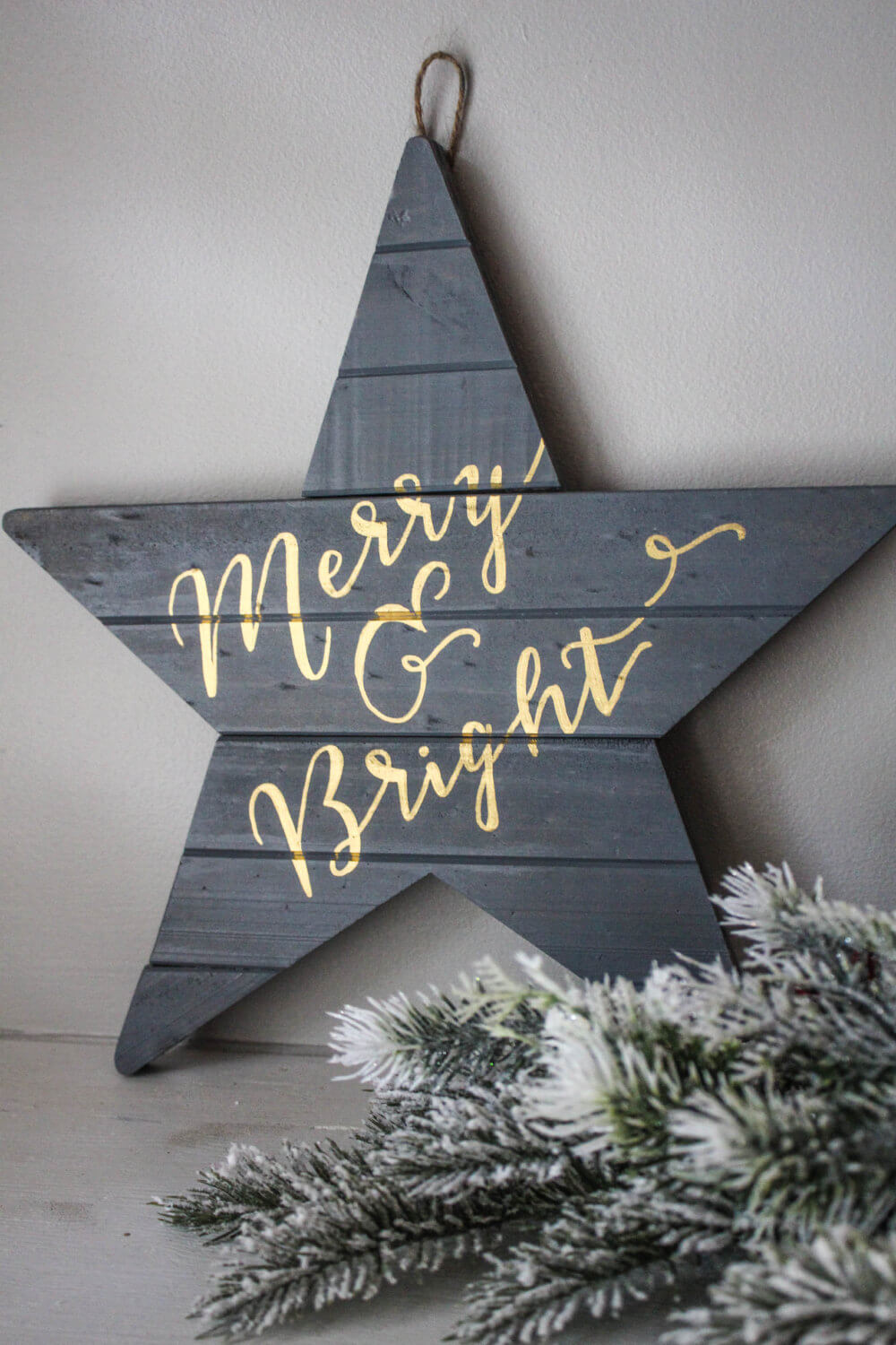 Merry and Bright Star Wall Decoration