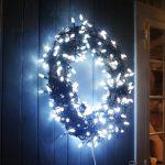 34-diy-christmas-lights-decoration-ideas-homebnc