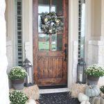 34-farmhouse-front-door-ideas-homebnc