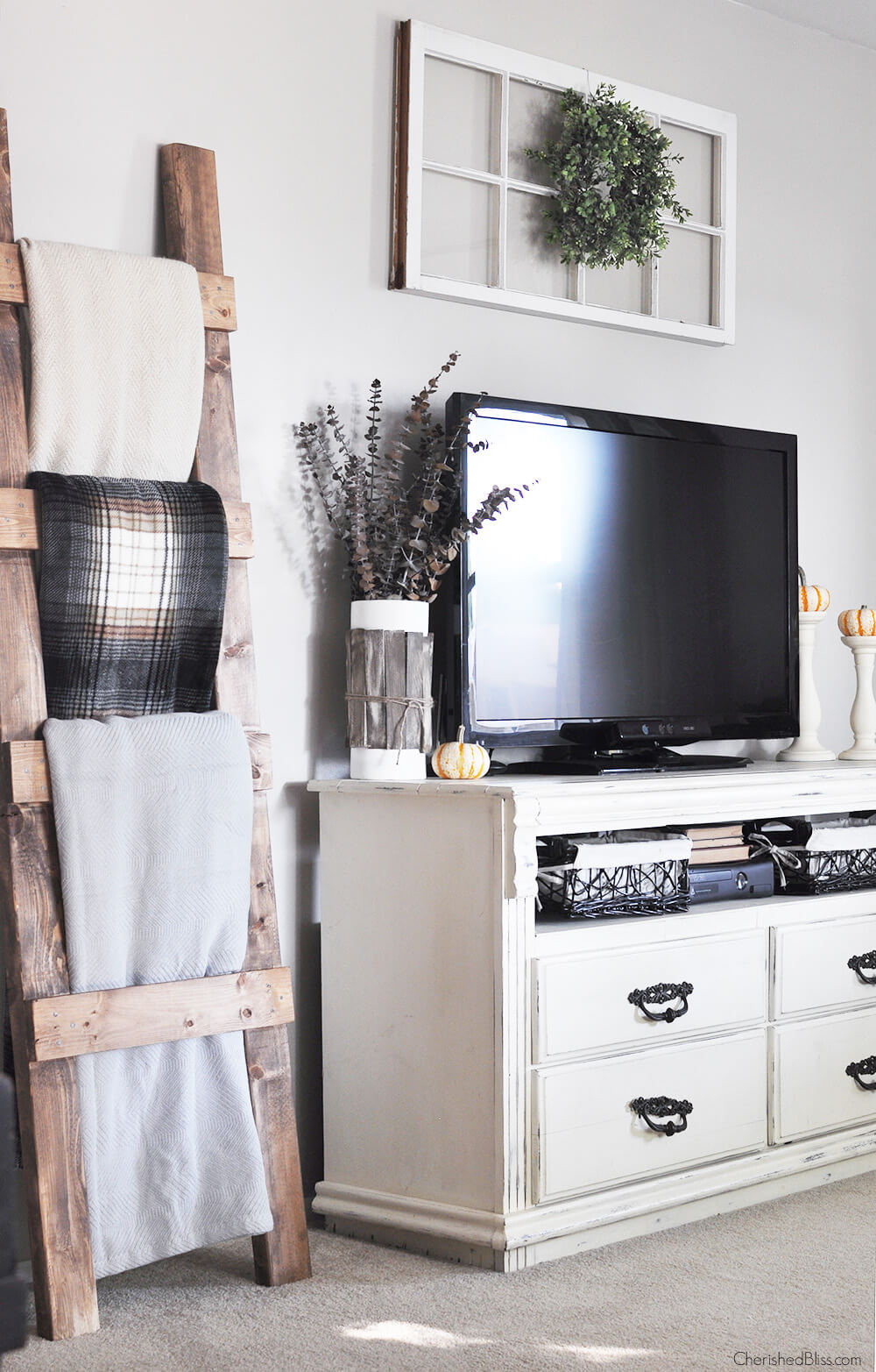 Quilt Display for Farmhouse Living Room Designs