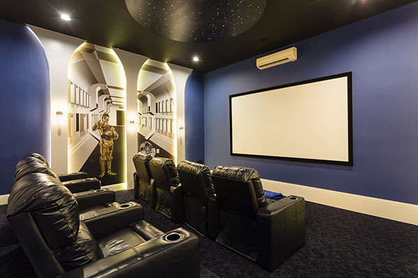 Star Wars Home Decoration for a 3D Theater Room