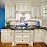 35-white-cabinets-kitchen-romance-homebnc