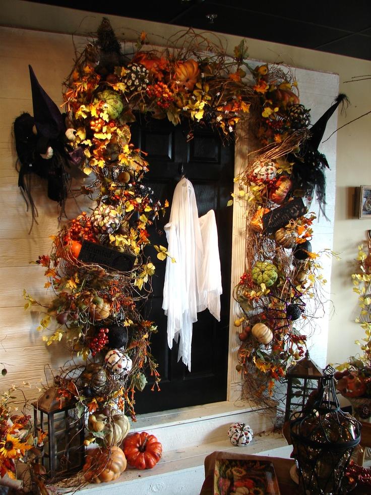 Spooky ghost door décor