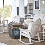 37-vintage-porch-decor-ideas-homebnc