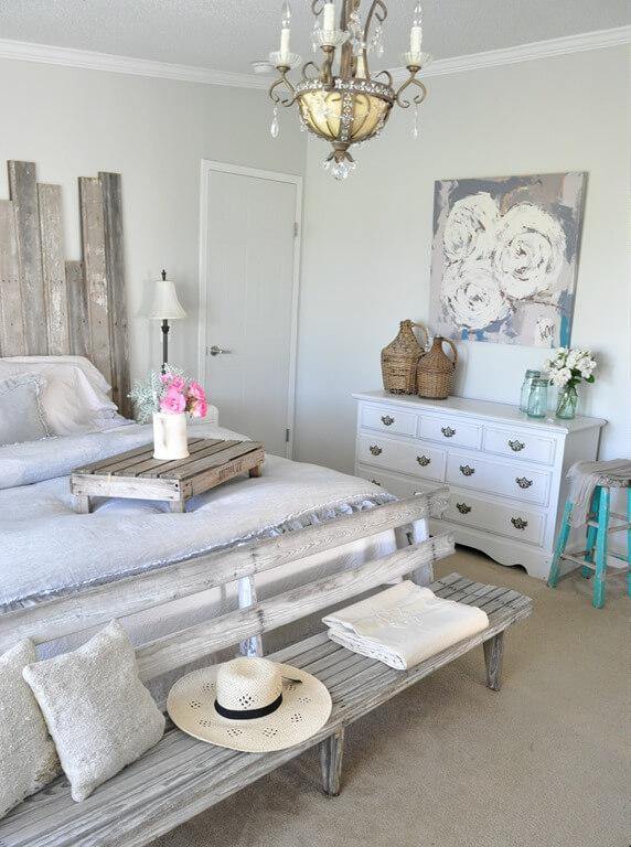 Shabby-Chic Beach House Retreat Bedroom