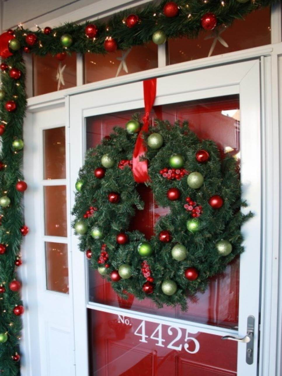 The Best Classic Christmas Wreath and Garland