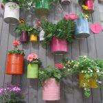 40-creating-a-vertical-garden-with-recyclables-vertical-garden-decor-homebnc