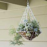 41-outdoor-hanging-planter-ideas-homebnc