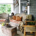 41-rustic-farmhouse-porch-decor-ideas-homebnc