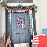 42-low-tech-sparkle-christmas-outdoor-decor-homebnc