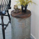 43-rustic-farmhouse-porch-decor-ideas-homebnc
