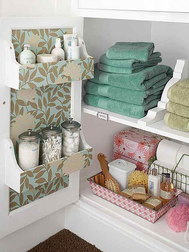 A Touch of Green in Your White Bathroom
