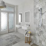 43-wet-room-white-with-patterned-overlay-homebnc