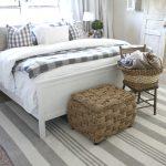 44-farmhouse-furniture-decor-ideas-homebnc