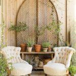 45-rustic-farmhouse-porch-decor-ideas-homebnc