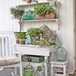 46-rustic-farmhouse-porch-decor-ideas-homebnc