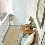 47-rustic-farmhouse-porch-decor-ideas-homebnc
