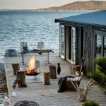 48-beachy-bonfire-fireplace-design-homebnc