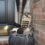 64-diy-halloween-outdoor-decorations-homebnc