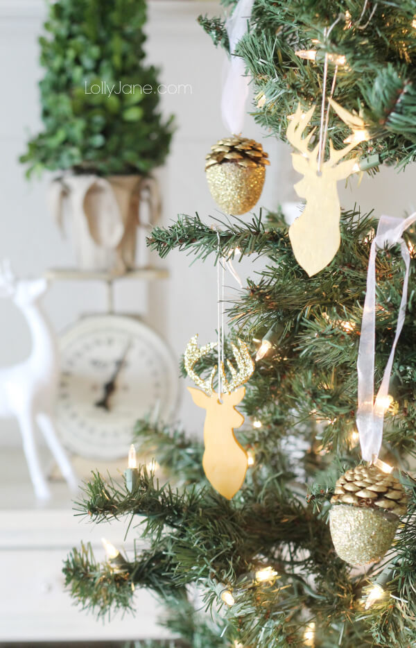 Deer and Acorn Ornaments for Rustic Ambiance