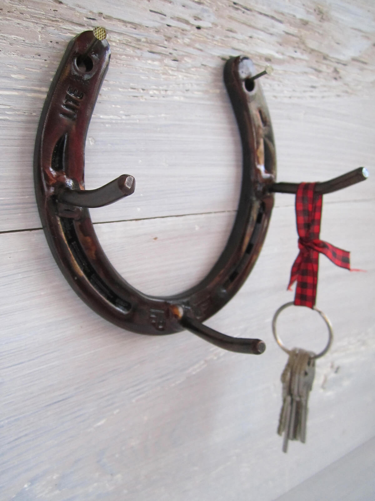 Rustic Horseshoe Key Rack