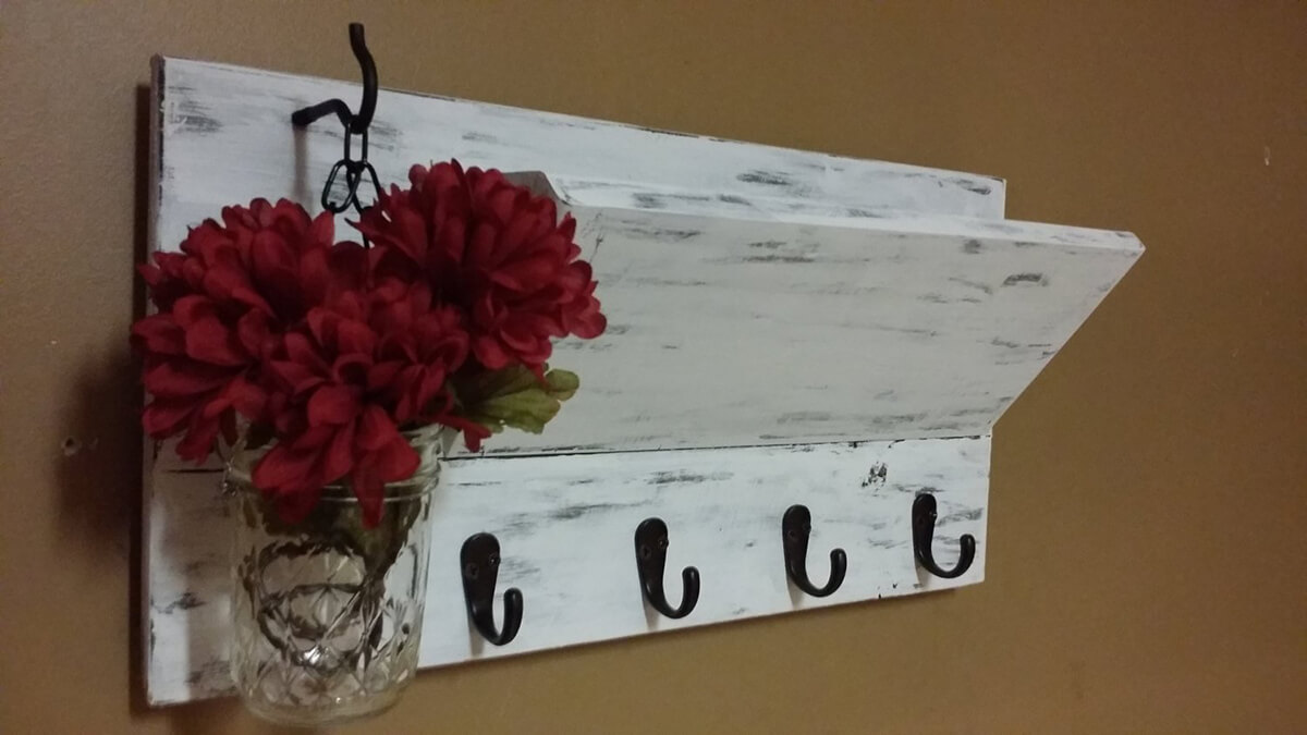 Distressed White Rustic Key and Mail Organizer