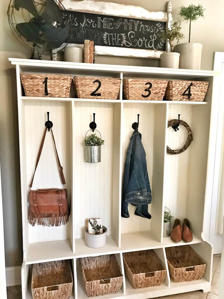 Individually Numbered Entryway Cubby with Vintage Decor