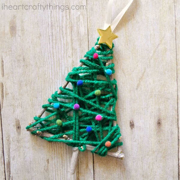 Cute Yarn Christmas Tree with Pompoms