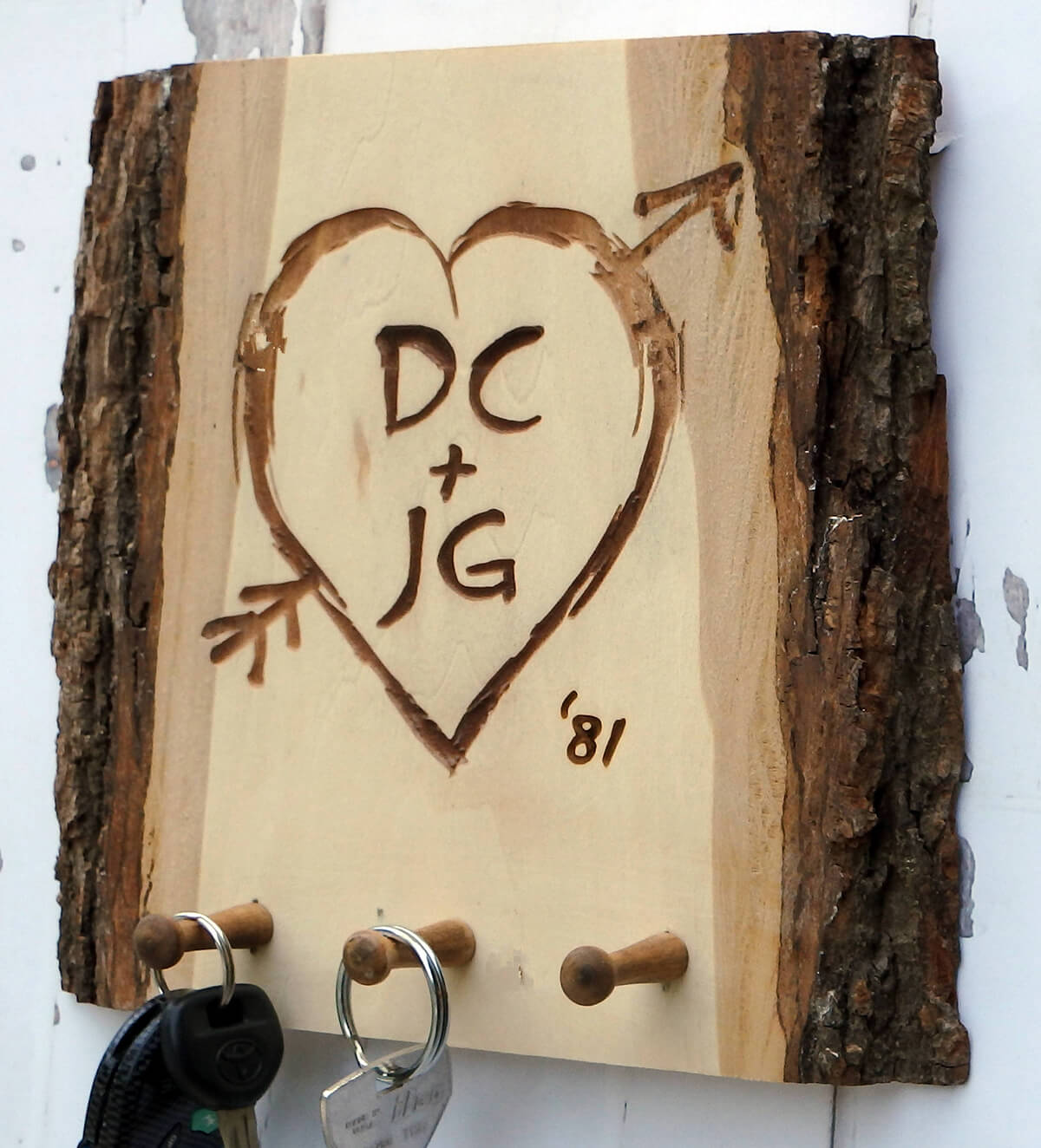 Bark Edge Engraved Key Rack