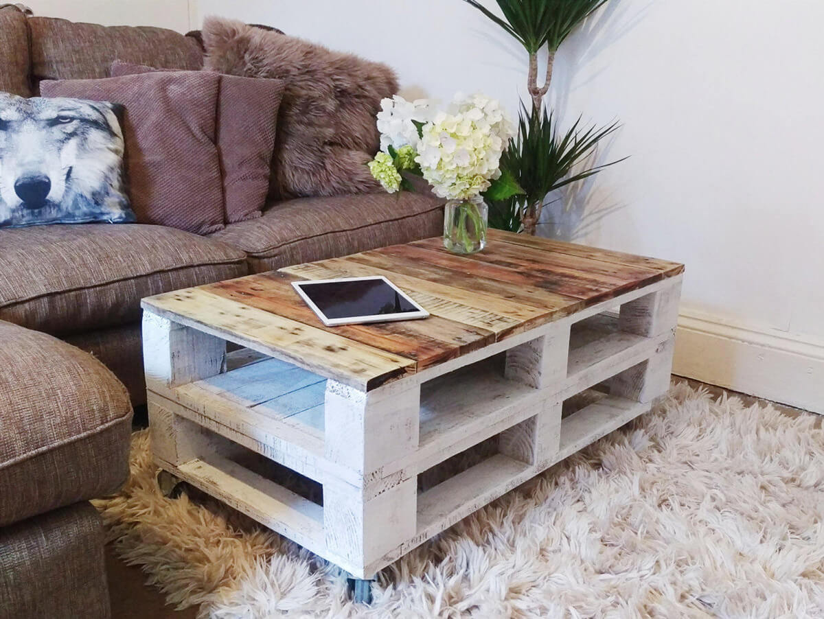 Pallet Wood in A Farmhouse Style