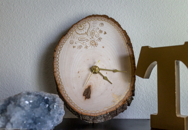 Add a Crafty DIY Element of a Wooden Clock to Your Home