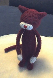 Squishy the Cat Amigurumi - Free Crochet Pattern - StringyDingDing | 315x213